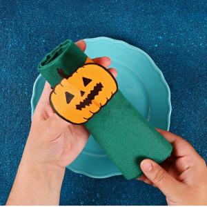 Voici un tuto pour vous permettre de fabriquer facilement des ronds de serviette en papier pour Halloween.