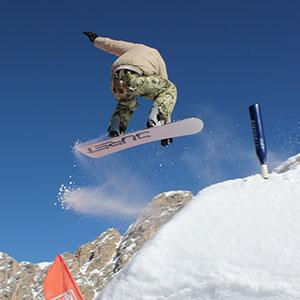 Le snowboard vient des Etats Unis où il s'est développé dans les années 1960. Il existe plusieurs épreuves de Snowboard. Retrouvez toutes les infos sur les épreuves de snowboard aux Jeux d'hiver
