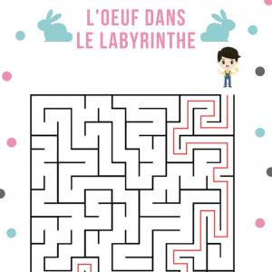Un Jeu de labyrinthe de niveau facile où il faut aider les enfants à retrouver leur oeufs en chocolat de Pâques