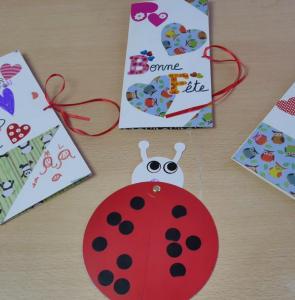Une activité à faire avec les enfants : la carte pop-up de la fête des mères