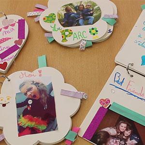Une activité à faire avec les enfants : des souvenirs de vacances avec des albums photos personnalisés