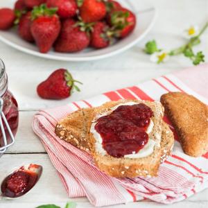 tartine d'écume de confiture de fraise