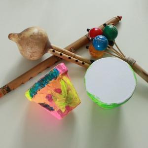 tuto pour bricoler avec les enfants un tam-tam avec des objets de récupération