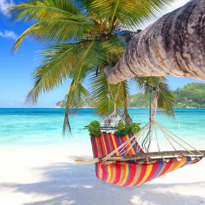 vacances - mot du glossaire Tête à modeler. Définition et activités associées au mot vacances.