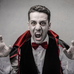 vampire - mot du glossaire Tête à modeler. Définition et activités associées au mot vampire.