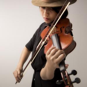 violon - mot du glossaire Tête à modeler. Définition et activités associées au mot violon.