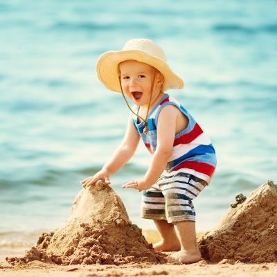 Les 10 règles pour profiter du soleil en toute sécurité. Pour le soleil reste un ami et ne devienne jamais un ennemi.