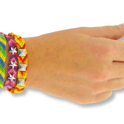 Retrouvez tous nos conseils pour choisir un bon fil à bracelet brésilien. Nous vous expliquons aussi quelle longueur couper en fonction du type de bracelet que vous voulez faire. Laissez-vous guider par nos conseils bracelet brésilien.