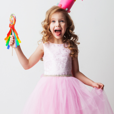 Vous cherchez une robe de princesse ? Découvrez sans plus attendre 23 robes absolument sublimes qui plairont à toutes les petites filles.