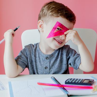 Cahiers d'activités et cahier de vacances,exercices de maths, opérations, problèmes et sudoku pour les enfants du primaire et de la maternelle.
