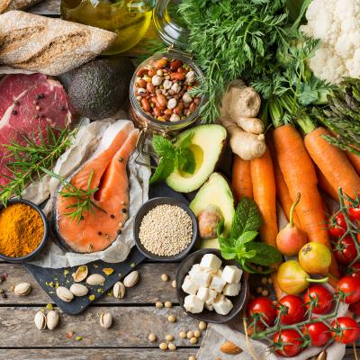 Aliment: Mot du glossaire Tête à modeler. L'aliment est une substance qui sert à nourrir les êtres vivants.  Activités associées.
