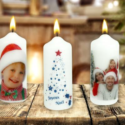 Vous recherchez un cadeau original à faire à vos proches pour Noël, un baptême, un mariage ou un anniversaire ? Ne cherchez plus, aujourd'hui nous allons vous apprendre à personnaliser une simple bougie blanche avec vos propres photos ou visuels à l&#
