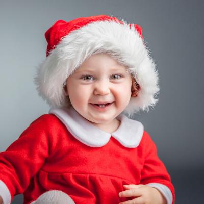 Découvrez une sélection de chansons de Noel pour les maternelles.Des chansons simples pour que même les plus petits puissent se mettre dans l'ambiance de Noel en chantant de belles chansons avec leurs parents et leurs freres et soeurs.