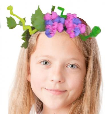 Couronne d'automne à placer sur la tête d'un enfant
