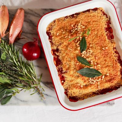 Recette du crumble à la tomate. Une recette simple de crumble à la tomate. le crumble de tomate est un plat parfait pour accompagner les viandes au printemps et en été. Le crumble permet de séduire le