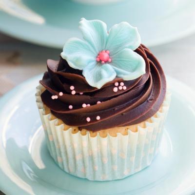 Cupcake chocolat et billes roses