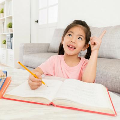 Dictées : soutien scolaire pour les enfants en CM2