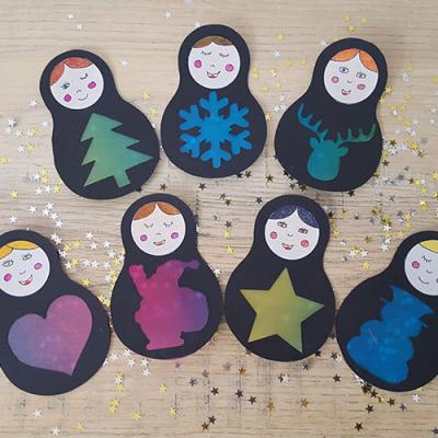 Un tuto pour apprendre à réaliser ces petites poupées de Noël pour 3 utilisations de décoration