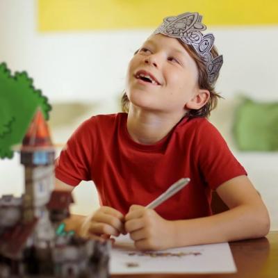 Epopia propose des abonnements uniques et de recevoir des histoires dont seul votre enfant est le héros. Un super service à base d'aventures interactives directement dans votre boîte aux lettres.