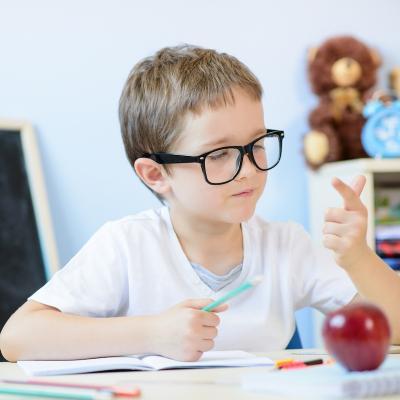 Exercices et activité de maths pour les enfants du primaire, classes de CE2. Additions, multiplication, soustractions et divisions à imprimer pour s'entraîner.