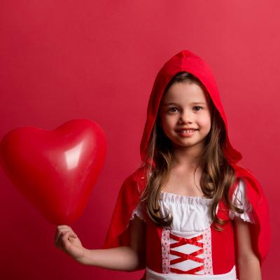 Facile de trouver une idée de déco de Saint Valentin à faire soi-même avec notre dossier consacré à la déco de St Valentin ! Des idées d'activités à faire avec les enfants pour la déco de table de St Valentin ou pour décorer la maison pour le 14 février.
