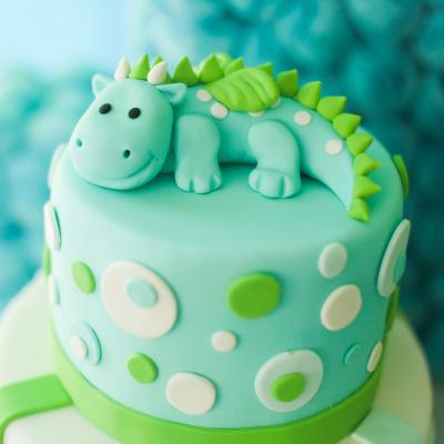 Gateau dinosaure : toute notre sélection ! Les dinosaures sont un thème très apprécié des enfants. Mixte, ce thème fait toujours plaisir aux kids. Retrouvez sans plus attendre notre sélection de gâteaux dinosaures.