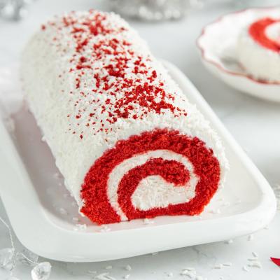 Le gâteau roulé fraise coco est une recette un peu longue mais assez facile que vos enfants vont adorer !
