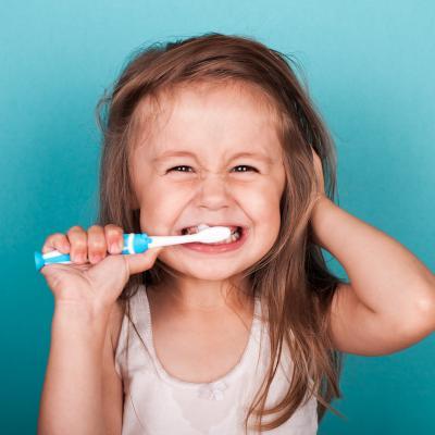 Les dents de nos enfants sont précieuses. Il est important de leur apprendre à en prendre soin dès le plus jeune âge. Les articles de Tête à modeler sur le brossage des dents, les caries, les règles d'hygiène dentaire pourront être complétés par des activ