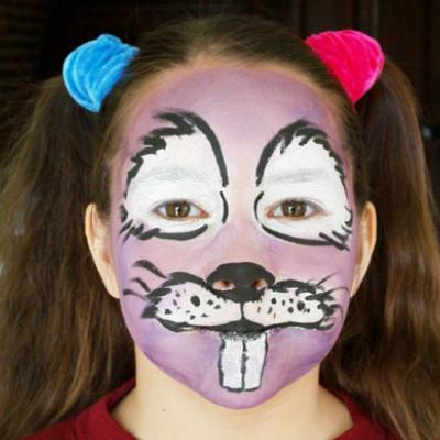 Réalisation du maquillage lapin