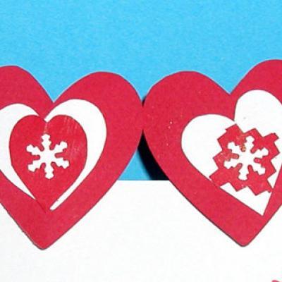 Fabriquer des décorations de sapin en forme de coeur