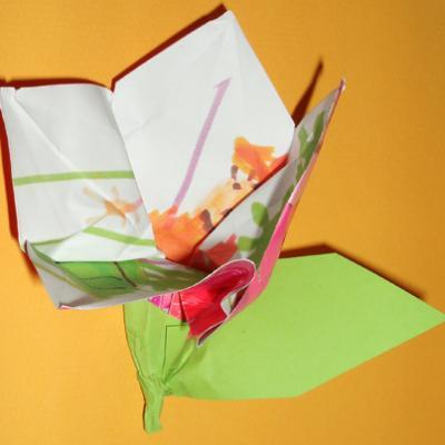 Pliage Dun Dessin Denfant En Forme De Fleur Origami Tête à Modeler