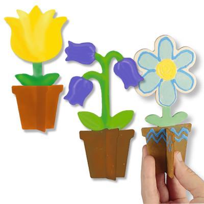 Trois petits pots de fleurs pour la décoration
