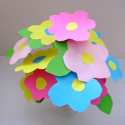 Fabriquer un bouquet de fleurs dés  ans
