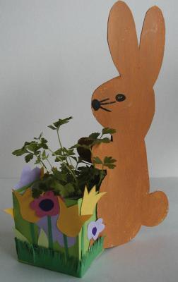Ce lapin de décoration permet de prsenter une plante