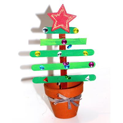Sapin de Noël en bâtons esquimaux