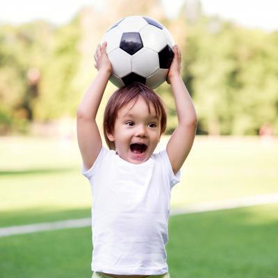 Jeu de la balle au chasseur, un jeu de plein air pour jouer au ballon à plusieurs.