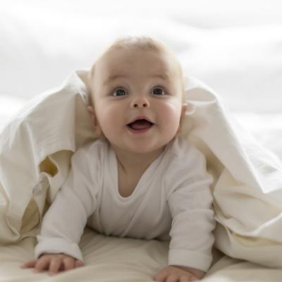 Eveil et jeux : Apprendre à votre bébé, dès son plus jeune age, ce qui lui est nécessaire pour se construire et mener une vie d'homme adulte et responsable.... Tout cet apprentissage comme avec l'éveil et jeux ! Le jeu et les activités d'éveil ne