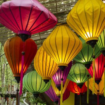 Lampion - mot du glossaire Tête à modeler. Définition et activités associées au mot Lampion.