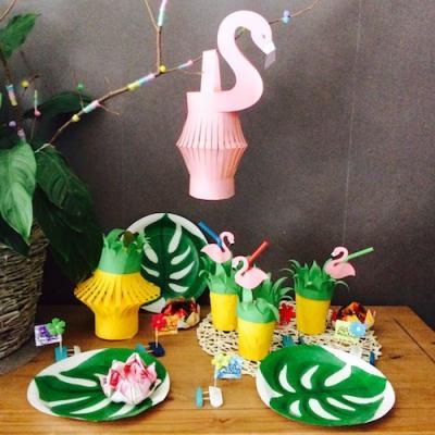 Activité de bricolage enfants pour réaliser un buffet d'anniversaire thème hawaïen