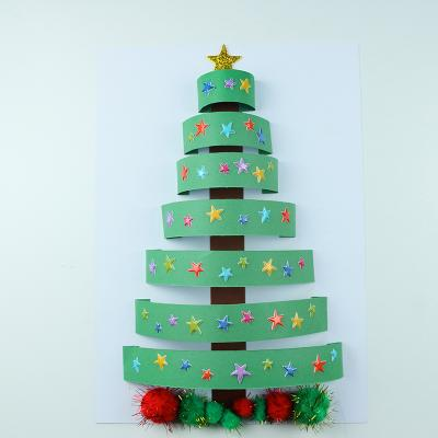 Une activité créative pour réaliser un sapin de Noël en 3D. Une activité parfaite pour préparer Noël