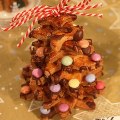 Une idée d'activité pour réaliser un sapin en biscuits