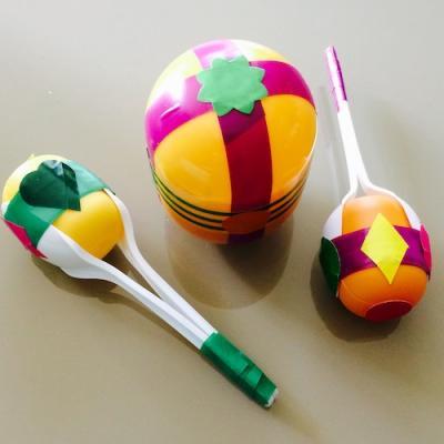 Un tuto pour apprendre à fabriquer des maracas avec les enfants - Bricolages enfants