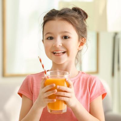 L'organisme a besoin des nutriments et des vitamines pour produire des lymphocytes et des anticorps. Tous les aliments riches en vitamines et en nutriments sont à favoriser pour renforcer les défenses immunitaires de l'organisme. les