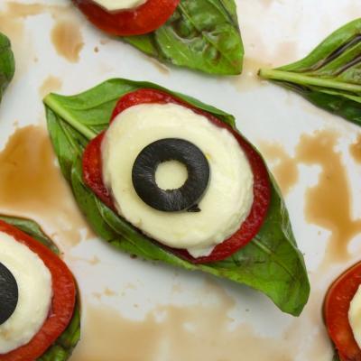 Cette recette vous permettra de réaliser un recette d'Halloween rapide, simple et saine. Vous pourrez ainsi réaliser des yeux globuleux parfaits pour les petits monstres qui veulent manger pendant Halloween.