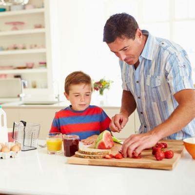 Pourquoi le petit dejuener est-il si important pour votre enfant ? Un petit déjeuner équilibré est un atout pour la réussite scolaire de votre enfant. Un petit déjeuner équilibré