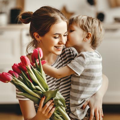 maman - mot du glossaire Tête à modeler. Définition et activités associées au mot maman.
