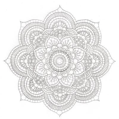 Mandalas à colorier. Les dessins de mandalas sont à imprimer et à colorier. Le coloriage des mandalas aide les enfants de tout âge à se concentrer et à se recentrer sur eux-même.  Le coloriage de Mandala indien permettra à l'enfant de travailler sa dextér