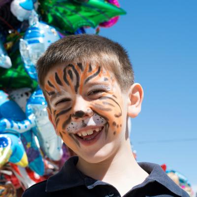Maquillage pour garçon durant le Carnaval. Comment déguiser et maquiller son garçon pour le Carnaval ? Trouver ici des idées de maquillages pour garçons.