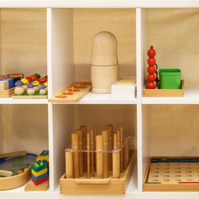 Le matériel Montessori est un matériel pédagogique étudié pour développer l'autonomie des enfants. Retrouvez toutes nos sélections.