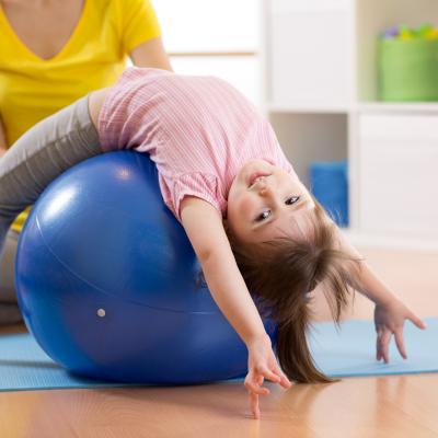 Si vous voulez mettre en place un parcours de Baby Gym, voici des idées d'ateliers très faciles et sécurisées !